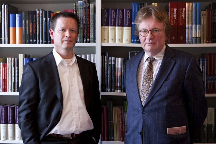 Jan Mets (rechts) naast Pieter Schriks, directeur van Walburg Pers